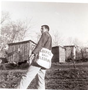 Ronnie Bailey delivering the paper (Nov 1958)